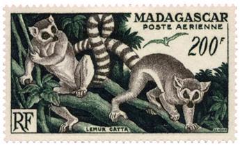 n°77* - Timbre MADAGASCAR Poste Aérienne