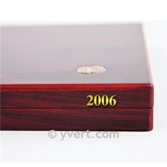 """ETIQUETTE : """"2006"""""""