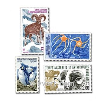 TERRITORIOS AUSTRALES: lote de 25 sellos